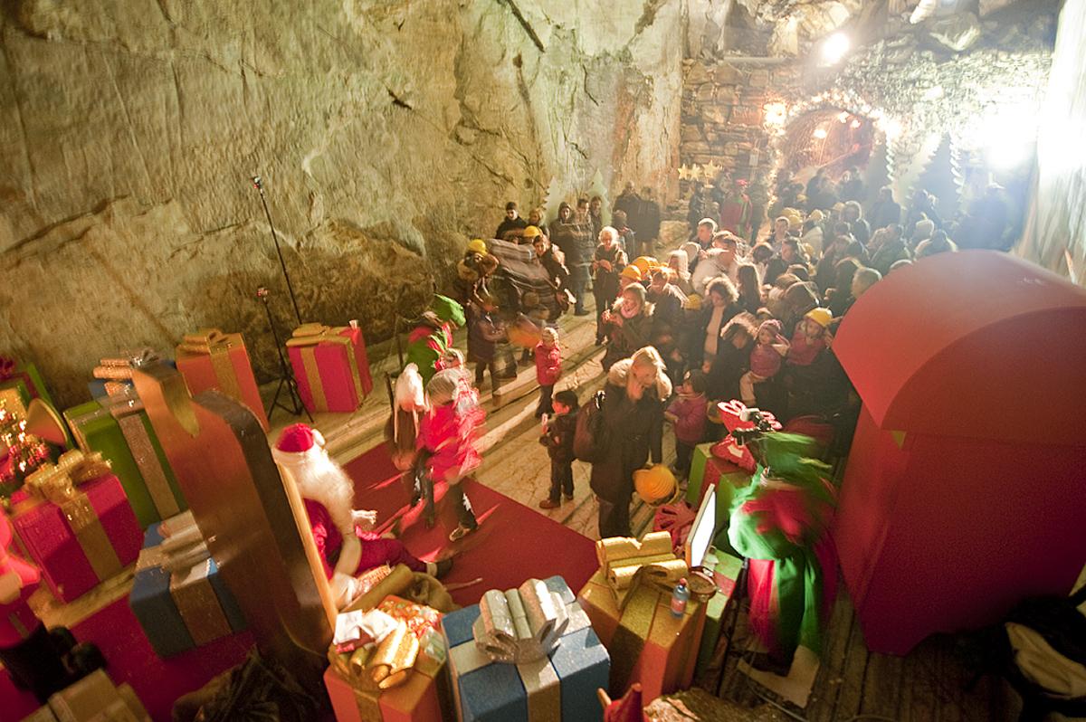 La Grotta Di Babbo Natale.La Vera Grotta Di Babbo Natale Ornavasso Altopiemonte
